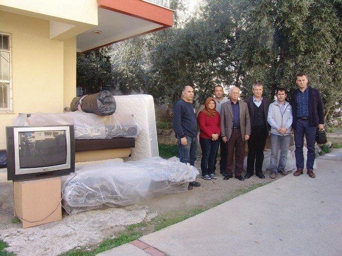 Büyükşehir'den Evi Yanan Aileye Yardım