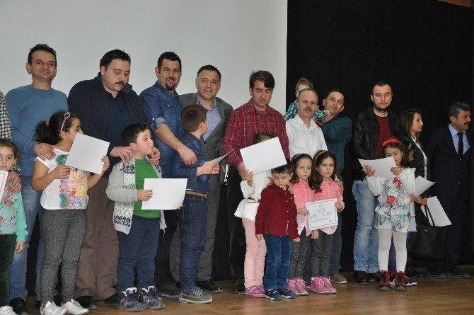 Bozüyük'te Aile Eğitimine Katılan Anne Babalara Sertifikaları Verildi