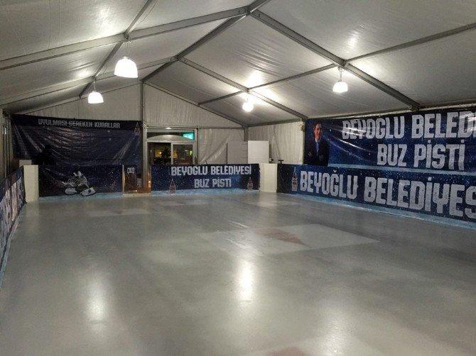 Beyoğlu Belediyesi Buz Pisti Açıldı