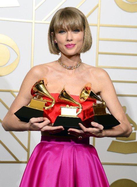 Taylor Swift 3 Ödülle Grammy'ye Damga Vurdu