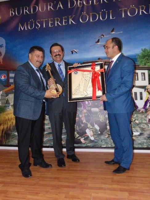 Burdur'un Vergi Rekortmenleri Ödüllendirildi