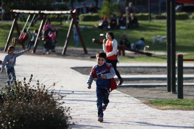 Adana'da Havalar Isınıyor