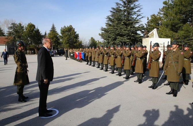 Erdoğan, Jandarma Komando Özel Asayiş Komutanlığı'nı ziyaret etti