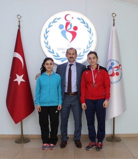 Halterin Altın Kızı Spor İl Müdürünü Ziyaret Etti