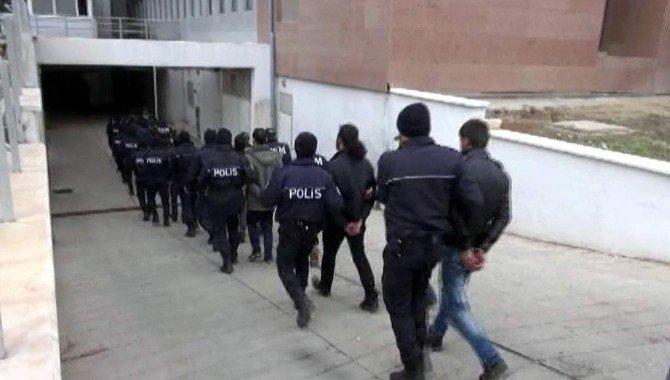 Terör Eylemlerinde Bulunan 13 Kişi Yakalandı
