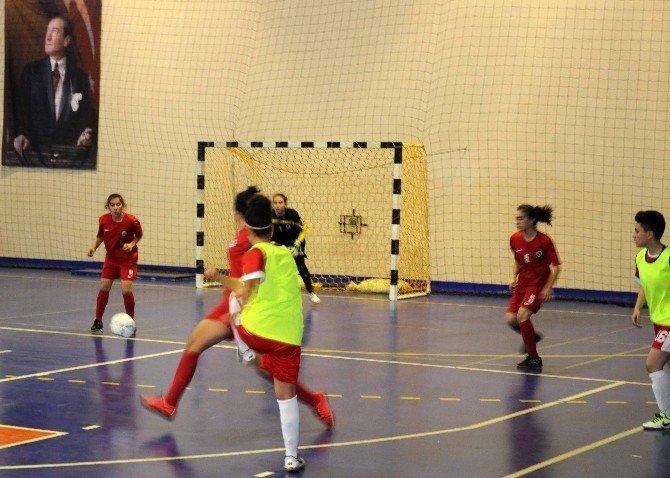Gençler Futsal Yarı Finalleri Ortaca'da Başladı