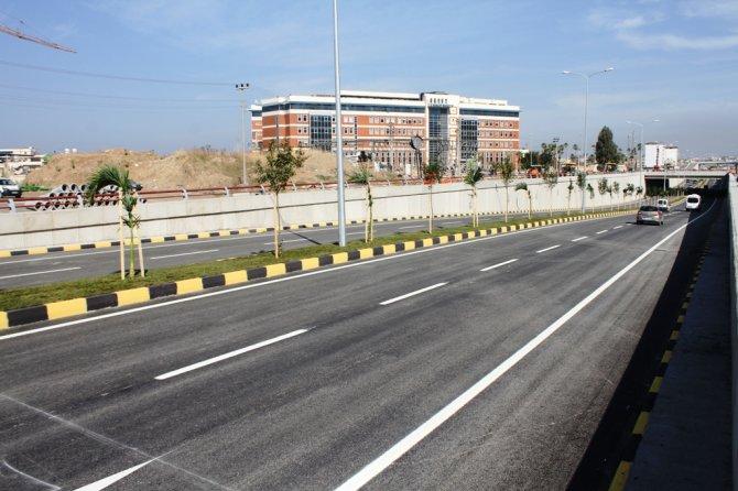 İskenderun Arsuz köprülü kavşağı trafiğe açıldı