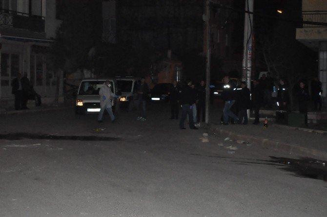 İzmir Genelinde Yasadışı Gösteriler Yapıldı