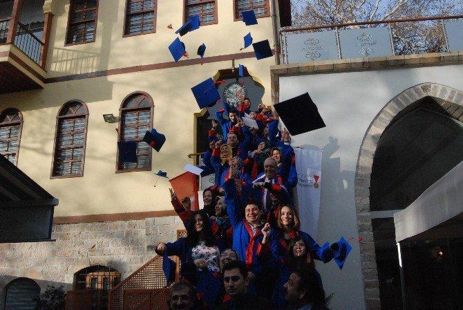 Engelli Kursiyerler Sertifika Sevincini Kep Atarak Kutladı