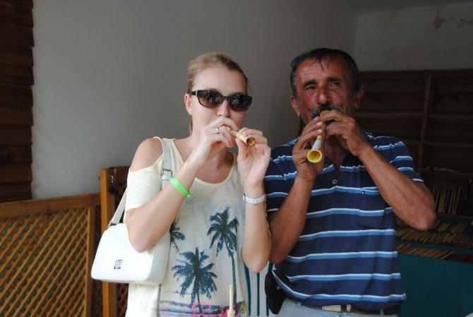 Rus turistler için yaptığı bin 200 sipsi elinde kaldı