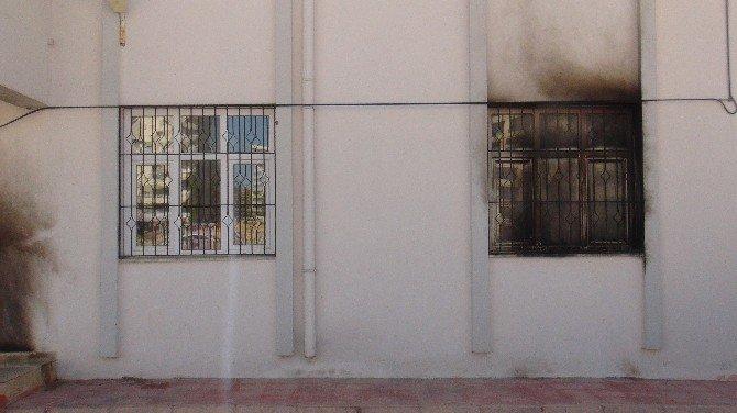 Nusaybin'de 3 Okul Ve Bir Aile Destek Merkezi Daha Ateşe Verildi