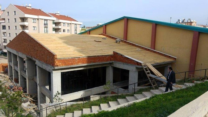 Mudanya Spor Salonu Ek Binası Gün Sayıyor