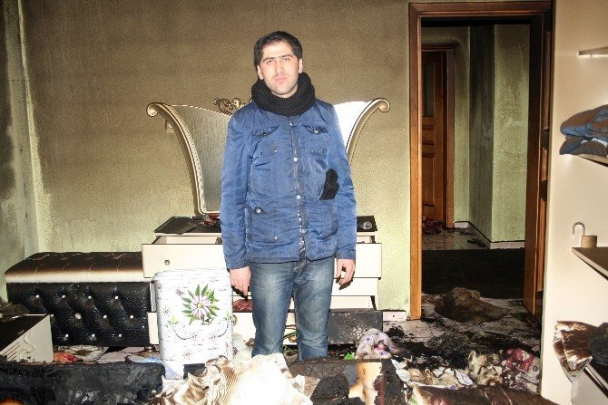 Hırsızlar Soydukları Evi Ateşe Verdi