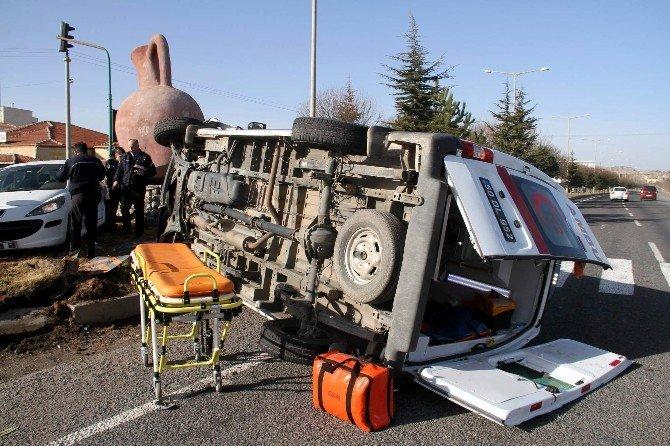 Nevşehir'de Ambulans İle Otomobil Çarpıştı: 5 Yaralı