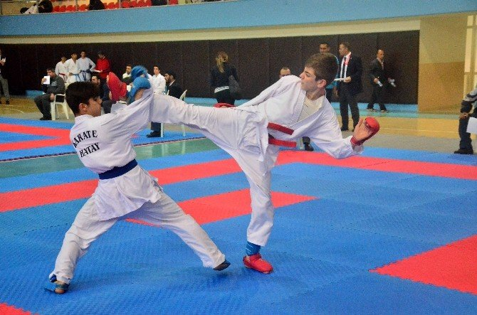Okullararası Türkiye Gençler Karate Grup Müsabakaları
