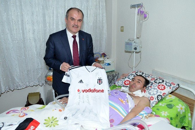 ALS Hastasına Beşiktaş Formalı Destek