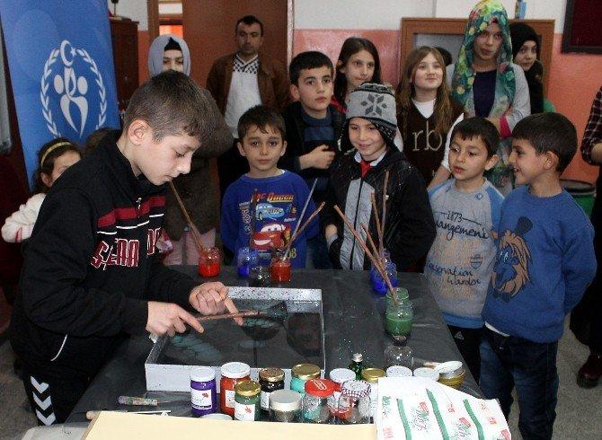 Minik Öğrenciler Ebru Sanatını Öğrendi