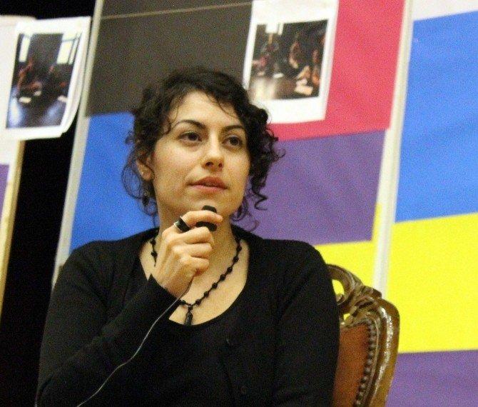 Tiyatrocu Firuze Engin, Üniversite Öğrencileriyle Buluştu