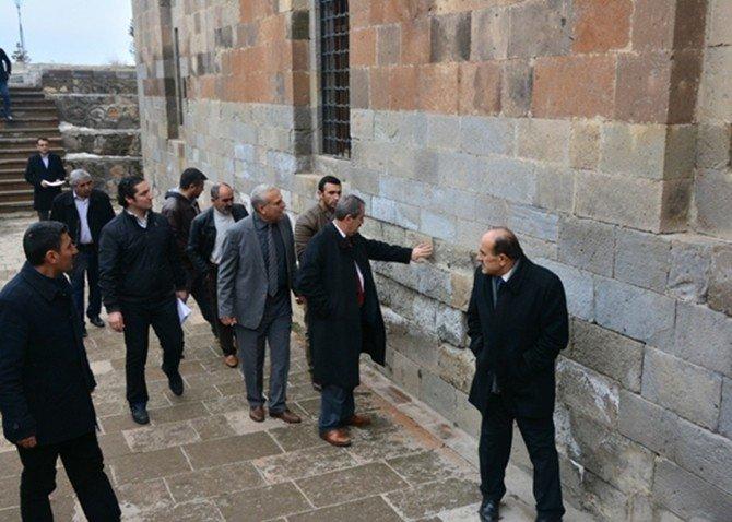 Adilcevaz'daki Tarihi Camilerin Çehresi Değişecek