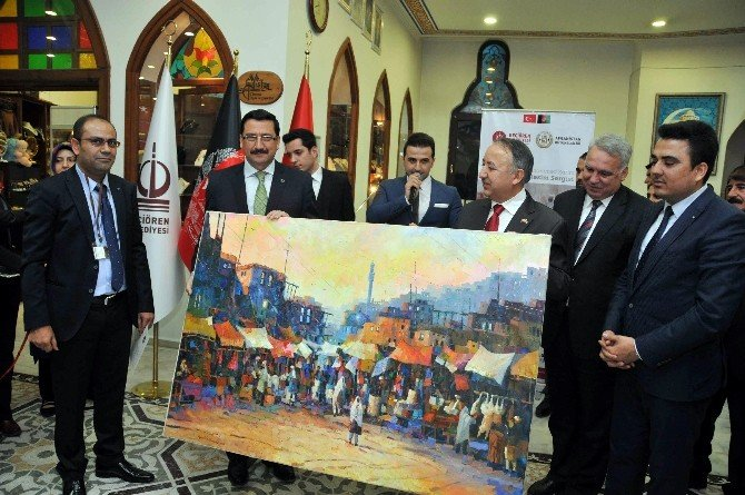 Afganistanlı Ressam Karim'in Resimleri Keçiören'de Sergilendi