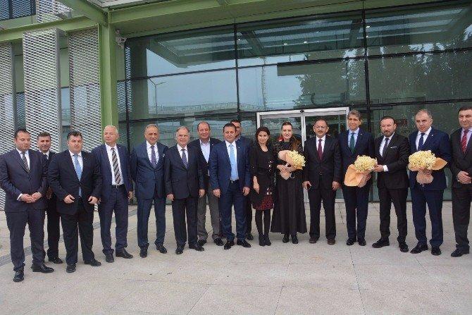 AK Parti İzmir'e El Attı