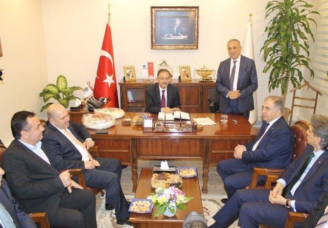 AK Parti'den İzmir'de 'Kardeş Belediyeler' Buluşması