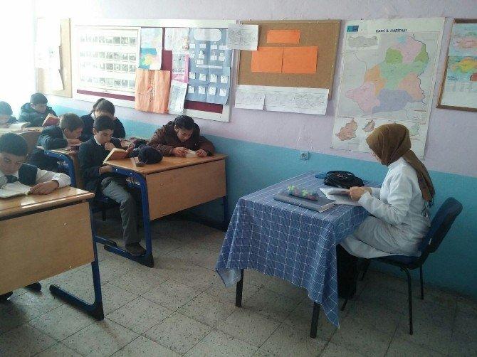 Arpaçay'da 'Birlikte Okuyoruz´ Projesi