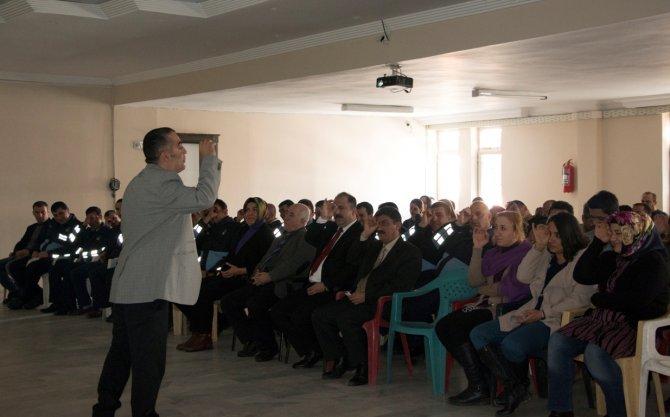 Bitlis Belediyesi'nden personeline 'Etkili iletişim' eğitimi