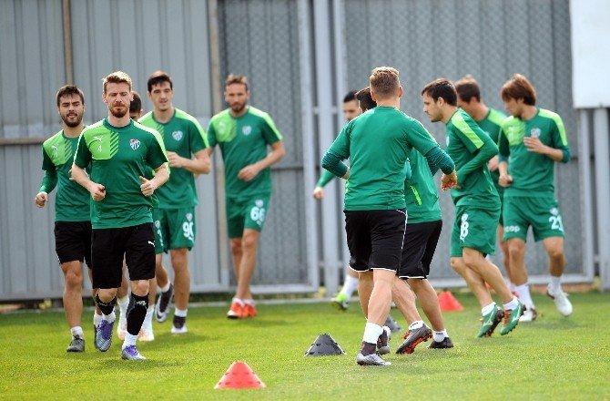 Bursaspor, Fenerbahçe Maçı Hazırlıklarına Devam Ediyor