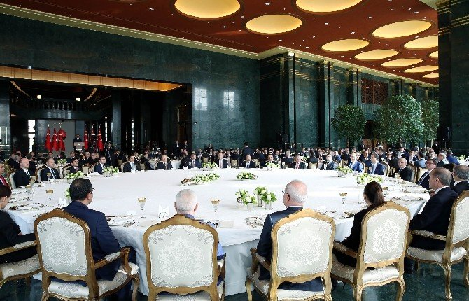 Cumhurbaşkanı Erdoğan'dan CHP'nin Yeni Anayasa Masasından Kalkmasına İlk Yorum
