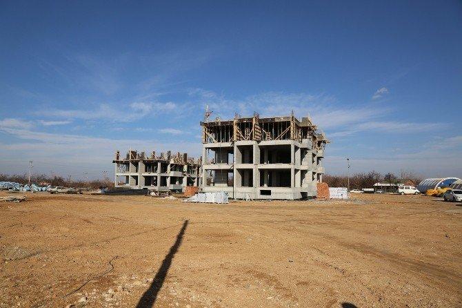 Başkan Gürkan, DSİ Hizmet Binası İnşaat Alanını Gezdi