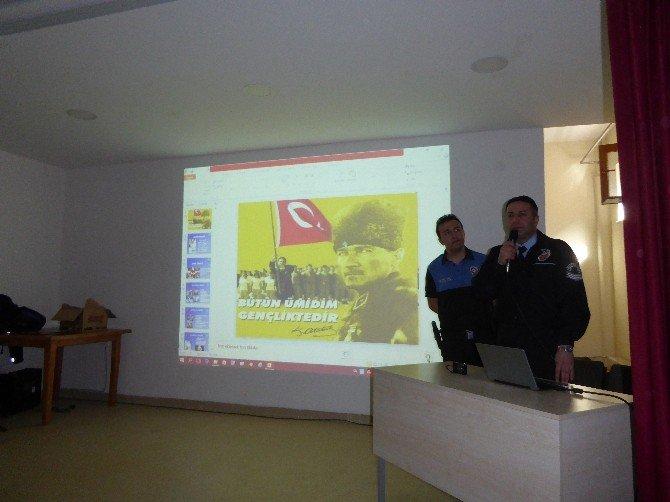 Polis'ten Öğrencilere Trafik Konferansı
