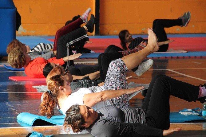 Fethiyeli Ev Hanımlarına Pilates Kursu