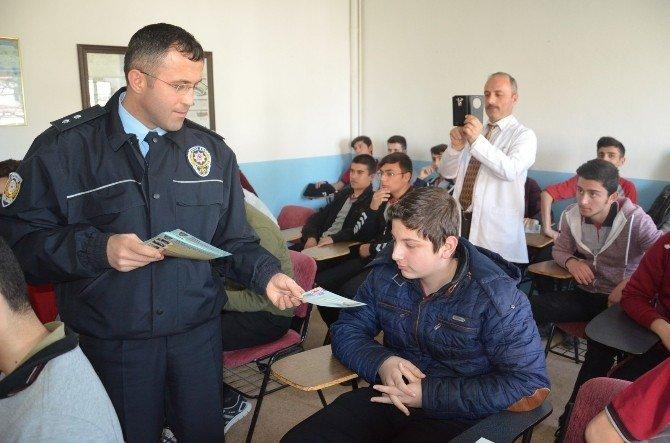 Polisten 'İletişim Yoluyla Dolandırıcılık' Semineri