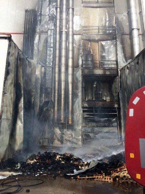 Çikolata Fabrikasında Çıkan Yangın Korkuttu