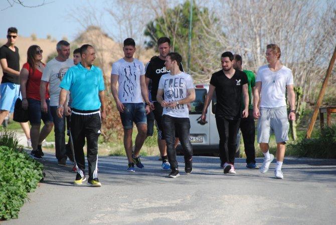 SV Fortuna Regensburg Futbol Takımı sporcuları Side'de tarihe yolculuk etti
