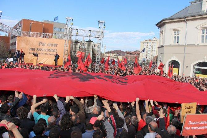 Kosova muhalefeti, hükümetin 10 gün içinde istifasını istedi