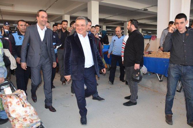 Kuşadası Belediyesi Kapalı Pazaryeri hizmete girdi