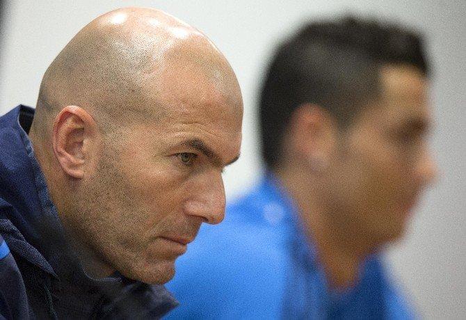 Ronaldo Basın Toplantısını Terk Etti