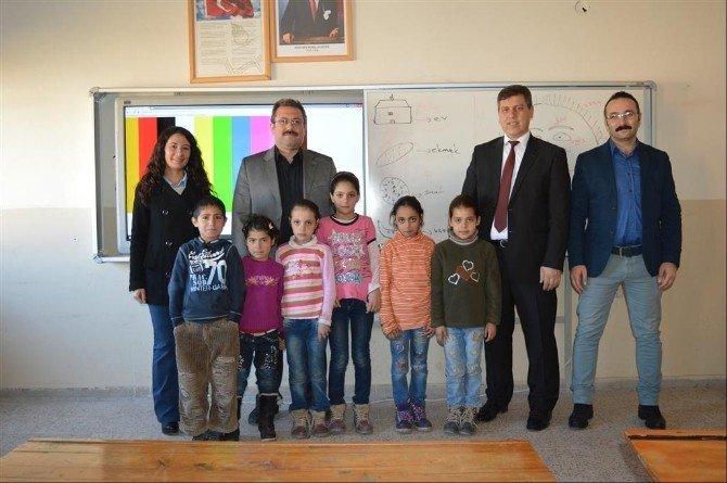 İvrindi'de Suriyeli Öğrencilere Türkçe Kursu
