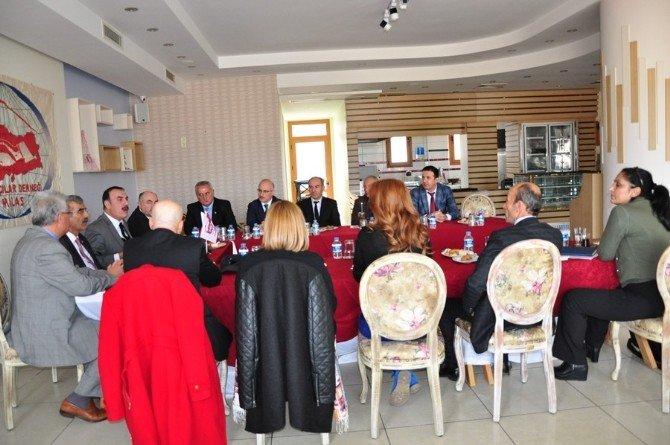 Emlakçılar Milas'ta Buluştu