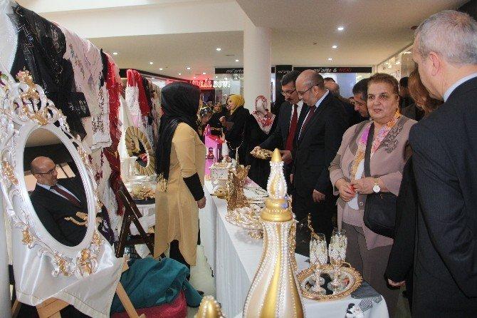 Elazığ'da 200 Kursiyerin El Emekleri Sergilendi