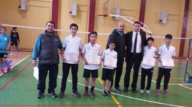 Vanlı Badmintoncular Yarı Finale Yükseldiler