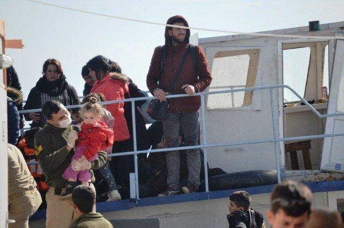 Ayvalık'ta İki Ayrı Operasyonda 204 Göçmen Yakalandı