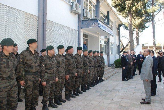 Vali Demirtaş'tan Terörle Mücadele Kahramanlarına Ziyaret