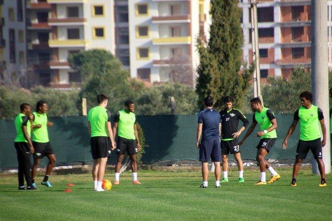 Akhisar Belediyespor'da Başakşehir Maçı Hazırlıkları Sürüyor