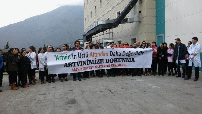 Artvin Devlet Hastanesi Doktorlarından Cerattepe Eylemlerine Destek