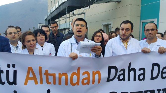 Artvin'deki doktorlardan Cerattepe'ye destek eylemi