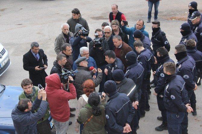 Cerattepe Maden Sahasına Gitmek İsteyen HDP İstanbul Milletvekilleri Ataş Ve Üstün'e Polis Engeli