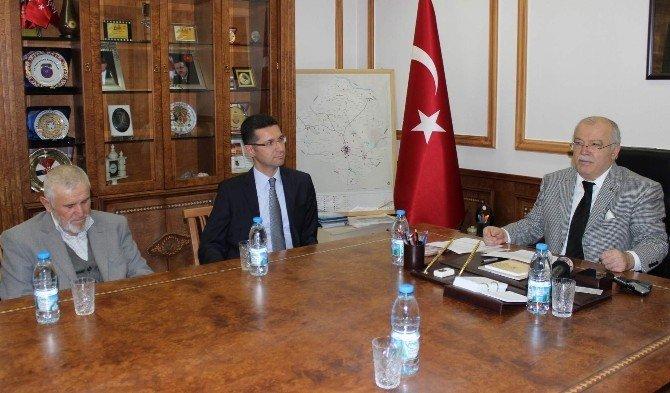 Bayır-bucak Türkmenleri İçin 20. Tır Kırşehir'den Yola Çıktı